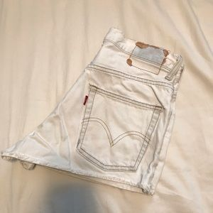 VINTAGE LEVI'S- White 550 Cutoff Shorts